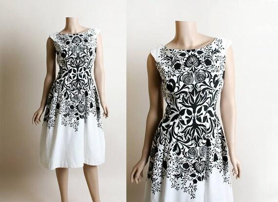 Vintage 1950s Dress - Novelty Print Floral Explosi