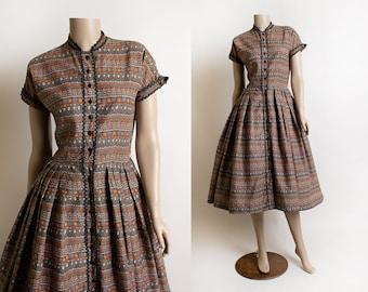 Vintage 1950s Dress - Kay Windsor Autumn Tone Orange & Cocoa Brown Floral Print Cotton Day Dress - Mid Century Midi - Button Up Small