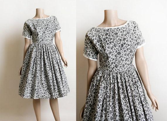 fc2b08a7bf Vintage Lanz Dress Late 1940s Early 1950s Floral Print Lanz