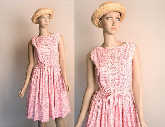 Vintage 1950s Dress - Pink Novelty Print Dog Drago