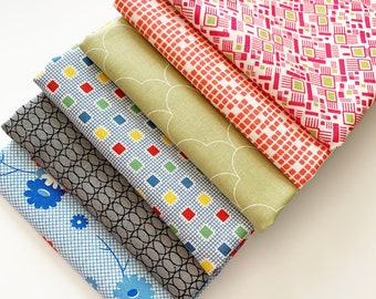 Cotton Fabric Scraps, 100% cotton fabric, patchwork quilting, paper piecing scraps, mixed surprise pack 1/2 pound of fabric