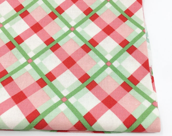 Christmas Fabric, Vintage Santa, Christmas Quilt, Quilting bundle, Vintage Quilt, Swell Christmas Fabric, Plaid Pink, Choose the Cut