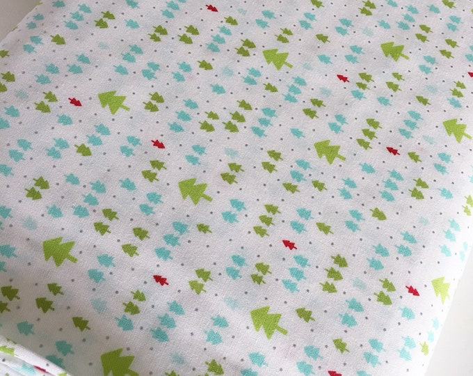 Christmas Fabric, Vintage Holiday fabric by Thimble blossoms, Christmas Quilts, Holiday Mini Trees in White, choose the cut