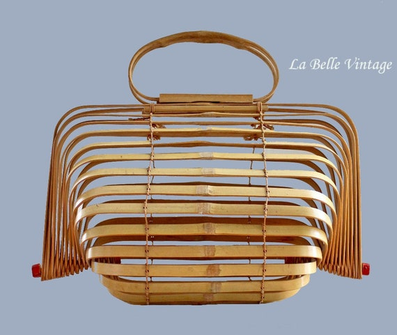 Vintage 40s Bamboo Accordion Purse 1940s Fish Bas… - image 1