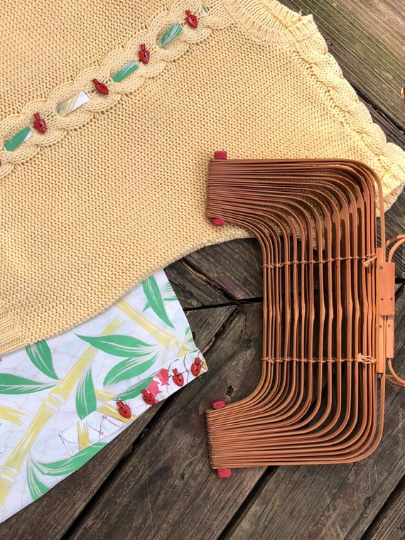 Vintage 40s Bamboo Accordion Purse 1940s Fish Bas… - image 6