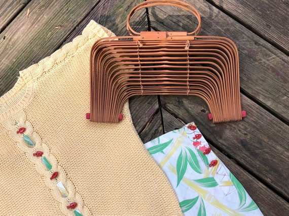 Vintage 40s Bamboo Accordion Purse 1940s Fish Bas… - image 5