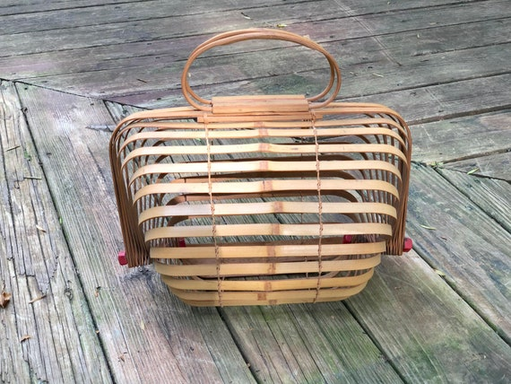 Vintage 40s Bamboo Accordion Purse 1940s Fish Bas… - image 3