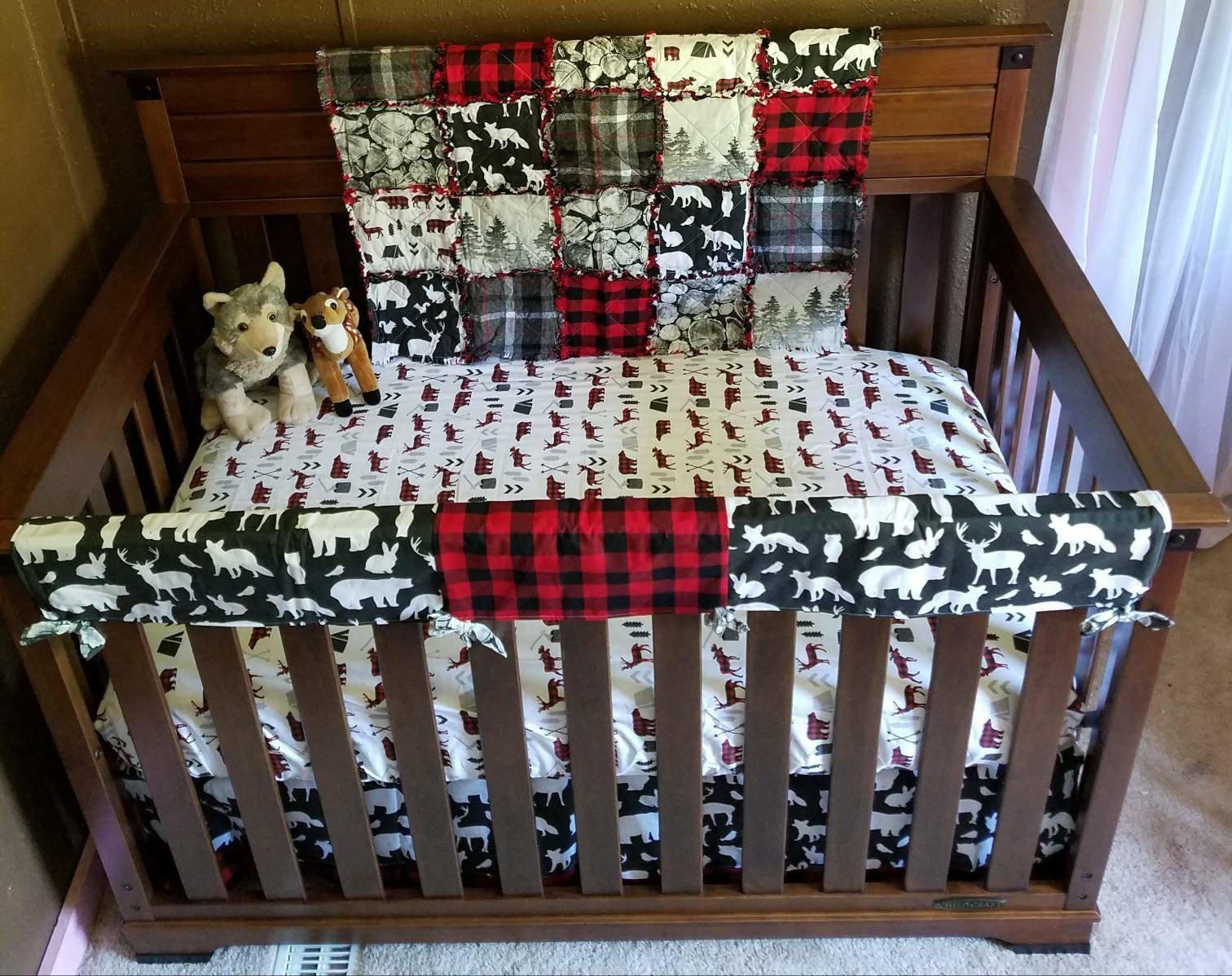Custom MOD Woodland Bear - Deer Arrows Grey Red and Black Buffalo Buffalo Plaid Baby Nursery Crib Literie Made To ORDER