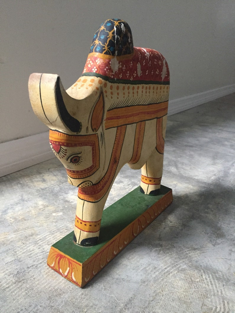 WOOD ART hand made travel safari new home doorstop office strong symbol wishes wedding couple wood carved bull cow figure animal