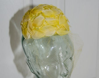 1950's Sally Victor Yellow Flower Toy Hat with Netting