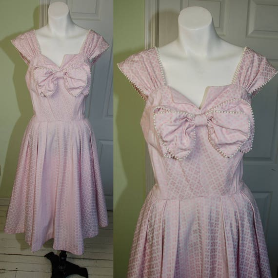 135cc3f8535e Vintage 1950s Saks Fifth Avenue Pink Print Day Dress with Bow