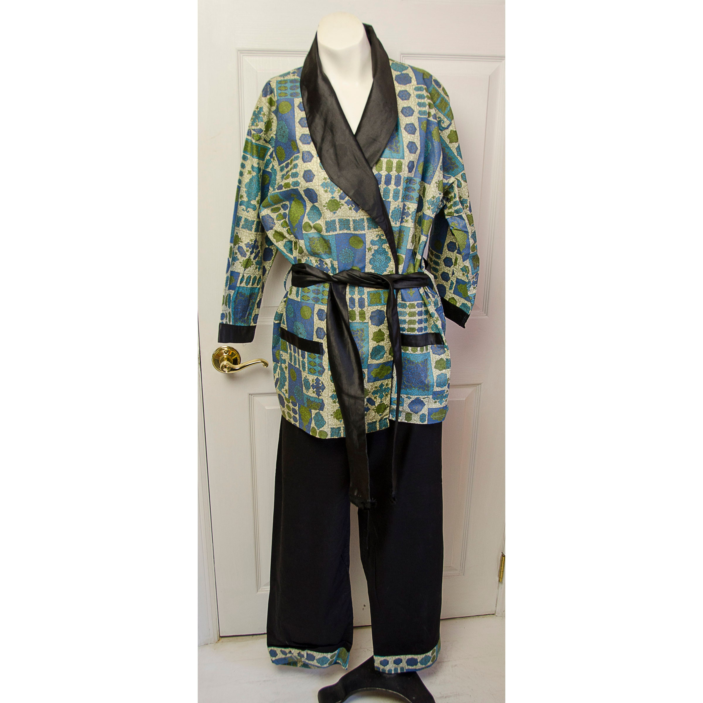 1950s Men's Ties, Bow Ties – Vintage, Skinny, Knit Vintage 1950s 60s Mens Pleetway Mahatma Lounging Pajamas With Balloon Seat $175.00 AT vintagedancer.com