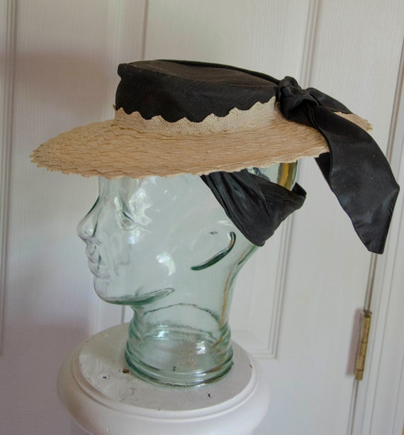 Sweet Vintage 1950's Small Woman's Straw Hat