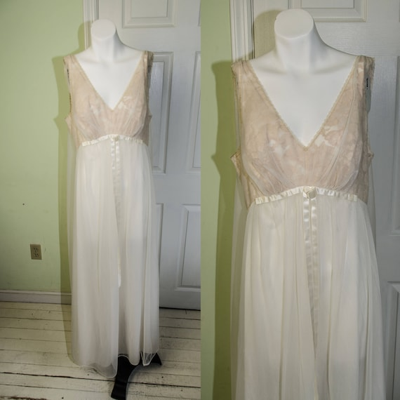 Vintage Cream Vanity Fair Lace Draped Nightgown 38