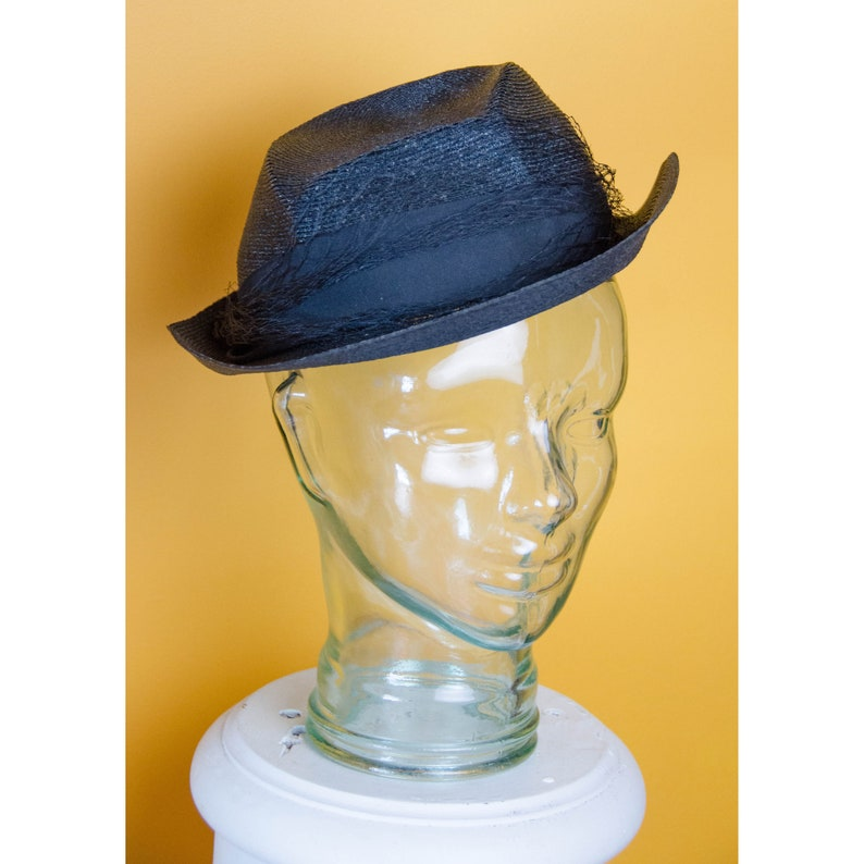 35c143539 Vintage 1930's 1940's Woman's Straw Fedora Style Hat