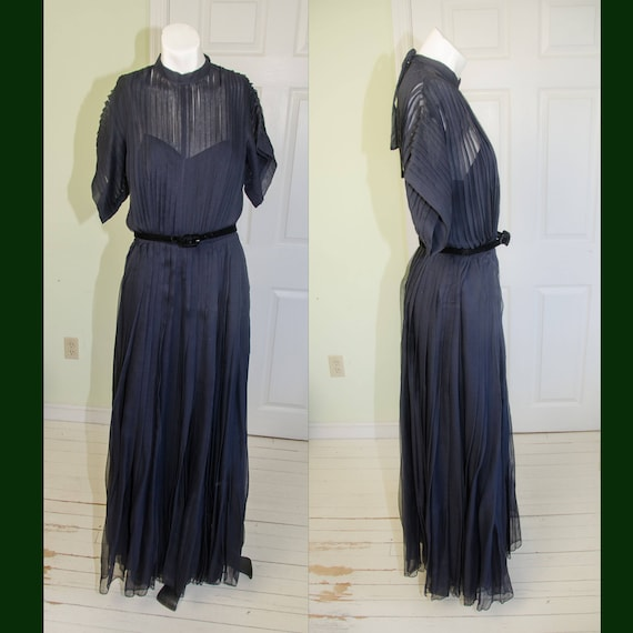 Vintage Late 1940's Designer Traina Norell Blue Si