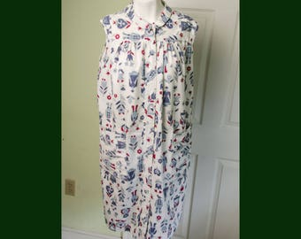 Vintage 1950's 1960's Woman's Cotton Smock Dress with Amish Print