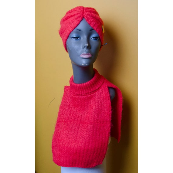 Vintage 1960's Woman's Knitted Dickie and Turban H