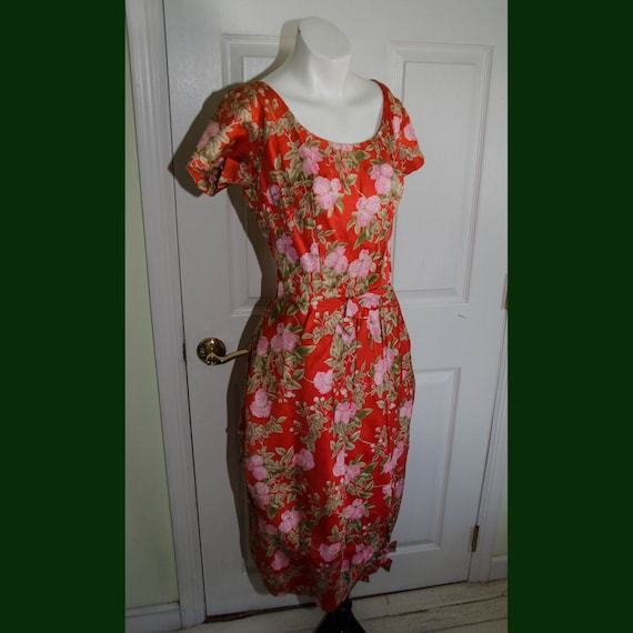 Vintage 1950's Asian Inspired Red Floral Print Dre