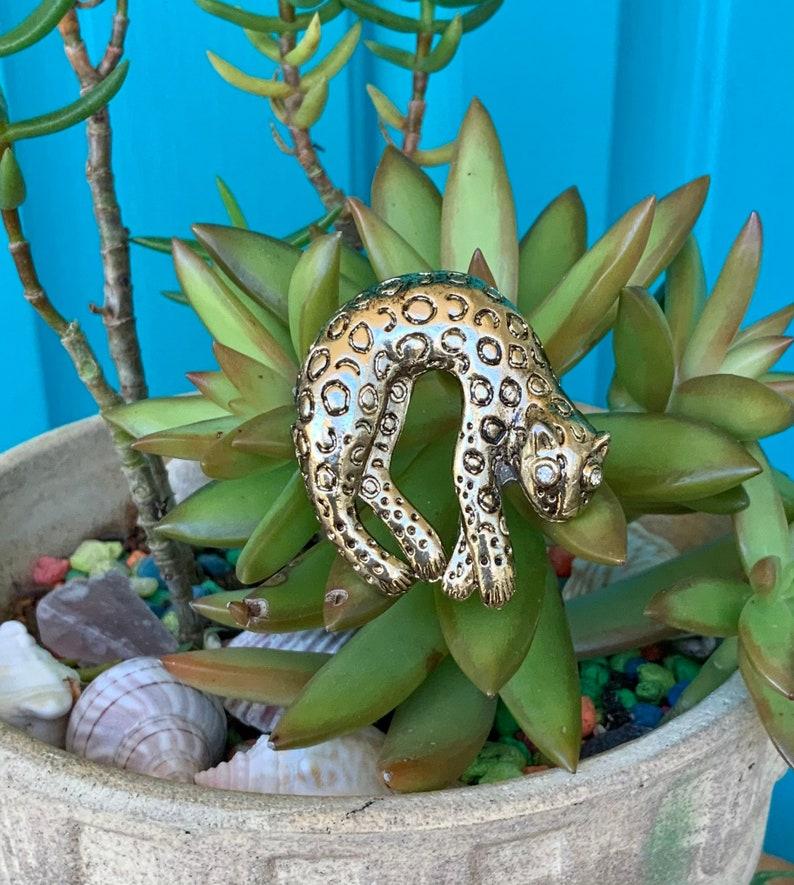 FREE SHIPPING-Vintage Gold MetalBrass Leopard Brooch-Rhinestone Eyes-Missing Tail-Nature Jewelry-Wild Cat Brooch-Safari-Bohemian-Jungle Cat