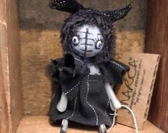 "Goth art doll BJD Blythe prop miniature creepy cute ""Poppy"" party favor"