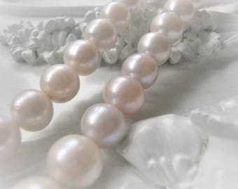 Rounded Pearl Bead Natural White Potato Freshwater Pearl Item No. 0107
