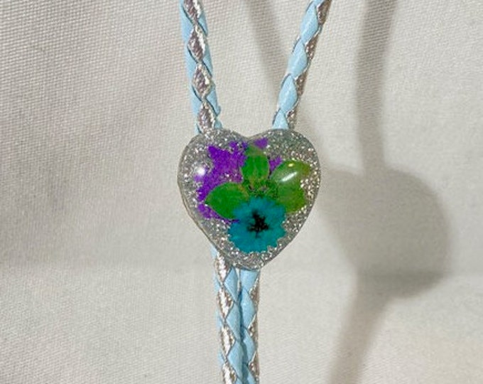 Dried Flower and Glitter Heart Mini Western Bolo Tie