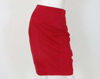 Gianfranco Ferre Leathers 1980s Vintage Thin Red Suede Pencil Knee Length Skirt Sz XS