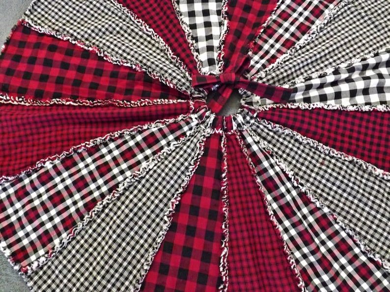 Red and Black Buffalo Plaid Tree Skirt Rag Quilt Tree Skirt image 0