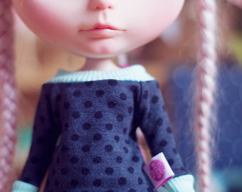 Dark Dots sweater for Blythe dolls
