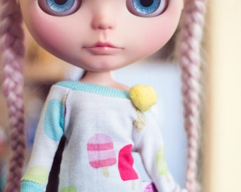 Ice Cream sweater with pompom for Blythe dolls