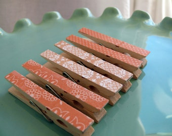 Memo clips decorative decoupaged clothespins---Peach Cobbler  Gifts Under 5 Dollars Hostess Gift