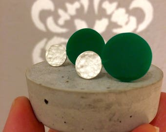 Circle Earring, Sterling Silver Ear studs with Green Plexi,  Geometric Earring, Modern Silver Jewelry, Contemporary art