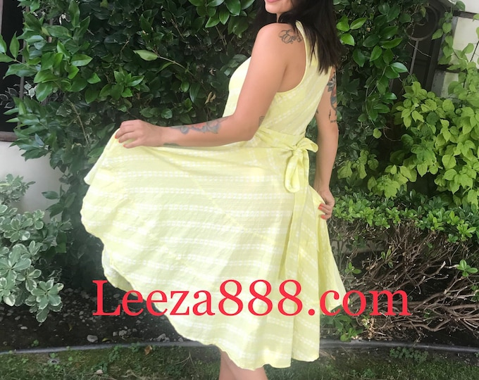 Yellow cotton Classic flirty picnic dress with pockets
