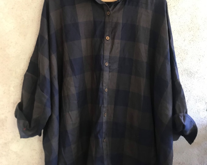 Button down flannel Tokyo shirt in navy and olive plaid
