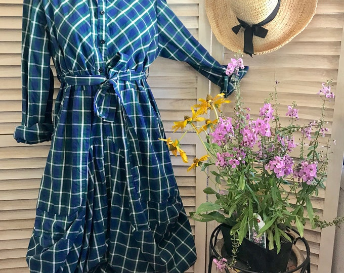 Plaid funky dress with sleeves in blue and green