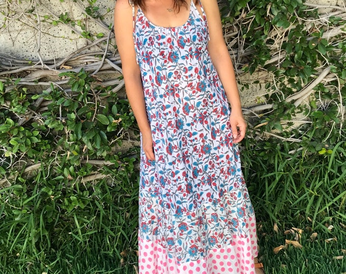 The perfect cotton summer dress in floral and polka dot mix