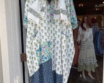 Square caftan in lightweight cotton voile