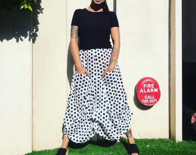 Funky skirt in black and white block print polkadots in  cotton voile