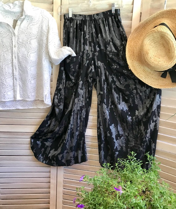 Small painted print black and silver lagenlook pant