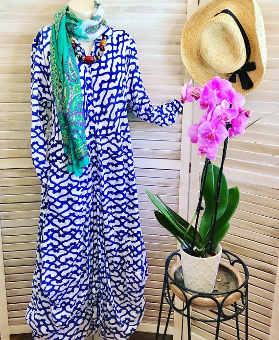 Navy and white geometric print funky dress with sleeves
