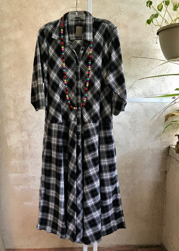 Size medium Plaid dropped waist housedress