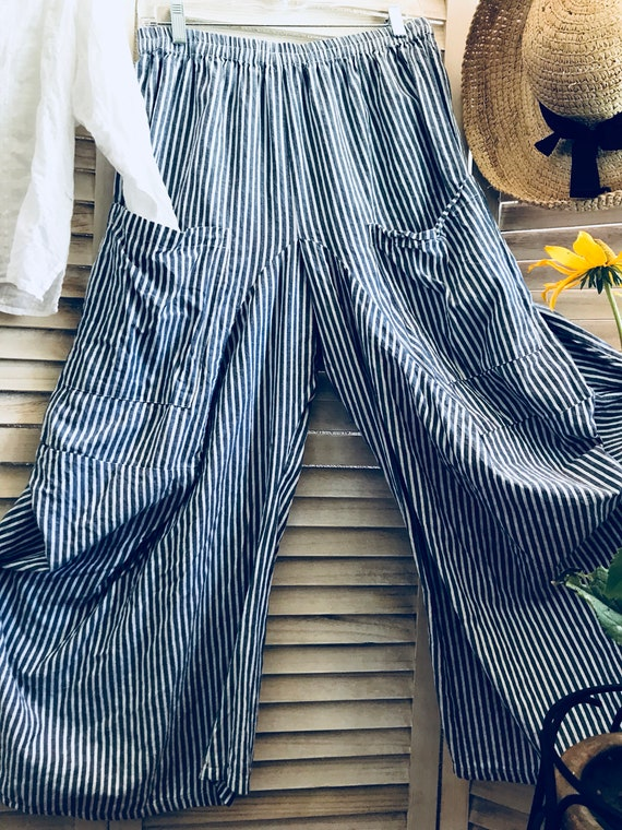Size medium chanbray stripe nautical lagenlook pant
