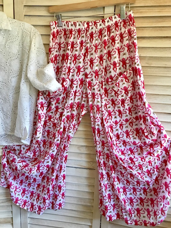 Size small pink monkey lagenlook pants