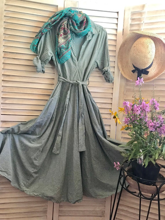 Green gingham stunning picnic dress