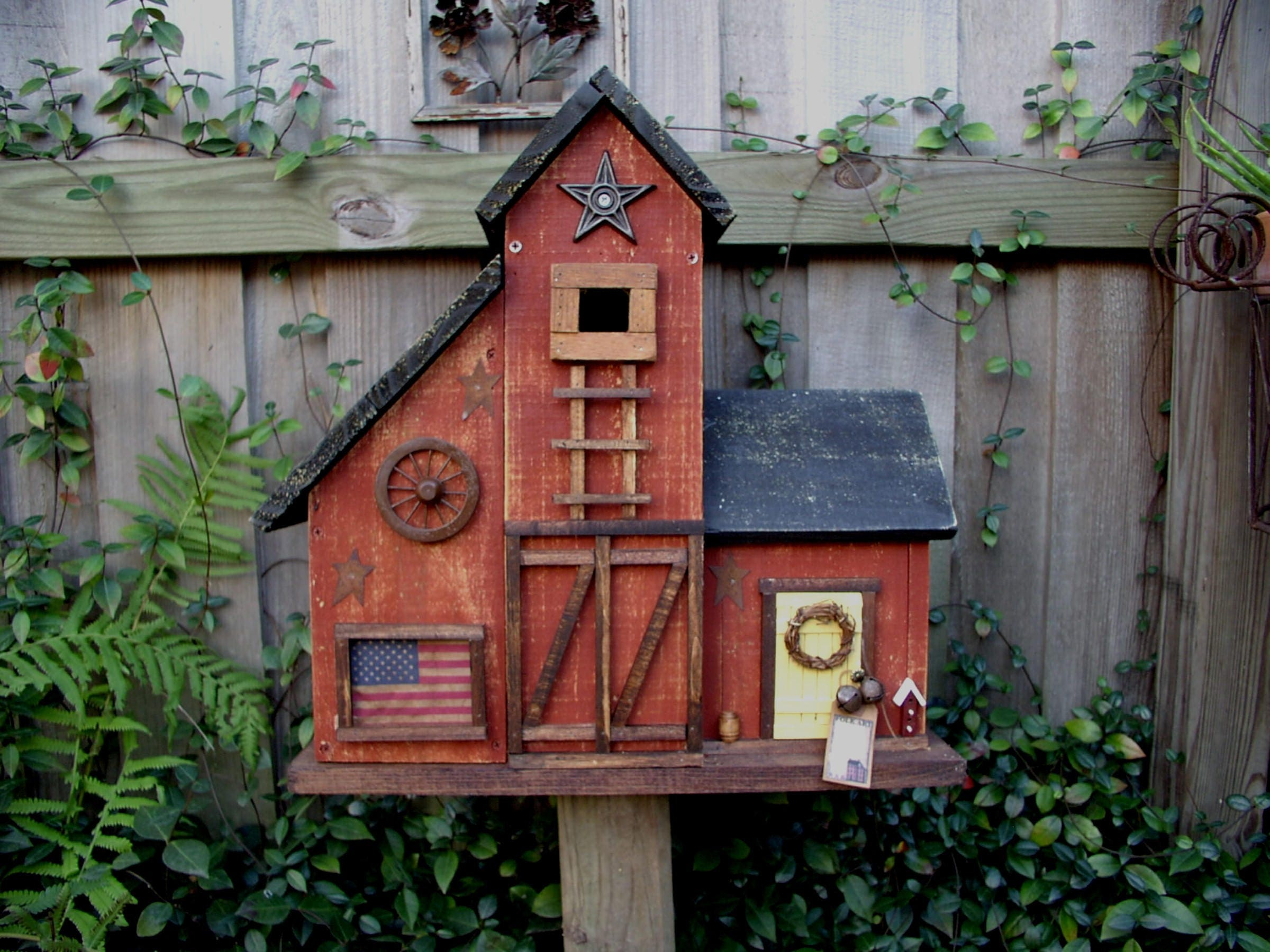 Large Primitive Folk Art Country Farmhouse Barn Birdhouse