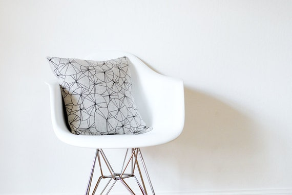 spokes pillow cover - black / natural