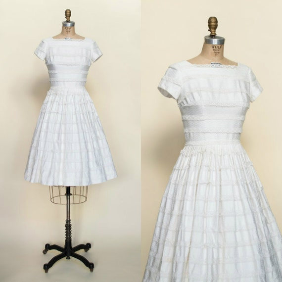1950s White Cotton Dress --- Vintage Full Skirt Dr