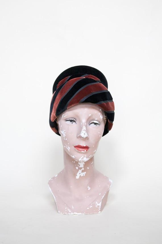 Vintage Velvet Hat --- 1960s Womens Mod Toque 819a73c5730