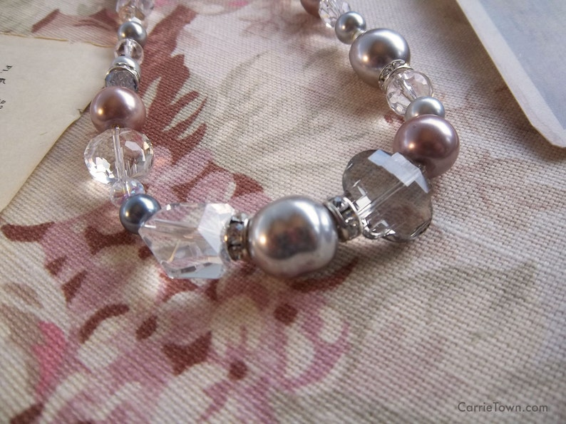 Gorgeous crystal glass and pearl necklace image 0